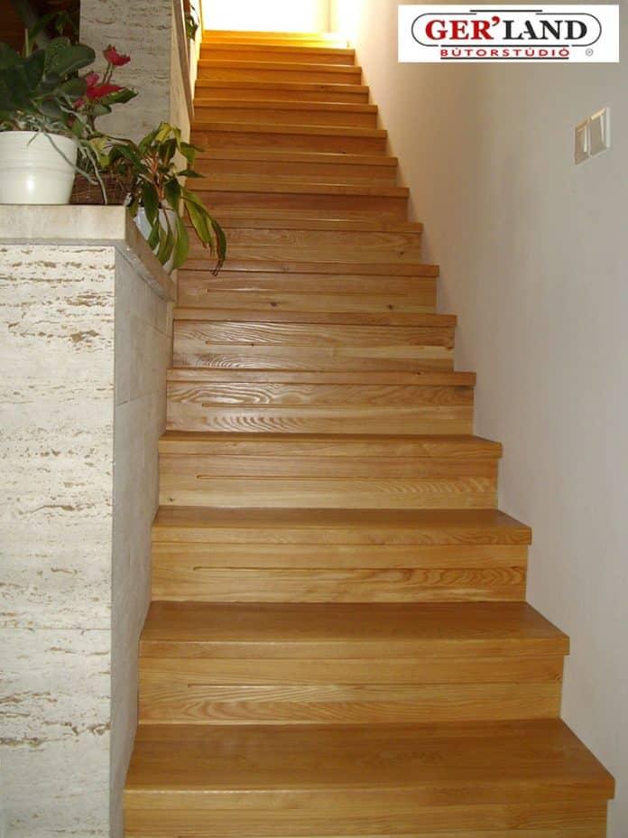 Vörösfenyő lépcsőburkolat