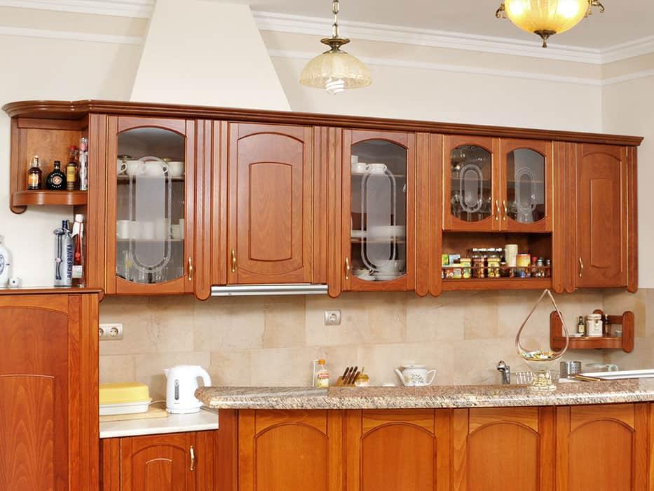 üveges konyhai felső szekrény