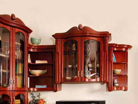 Íves üvegajtós szekrény