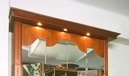 Harmonikaajtós szekrény