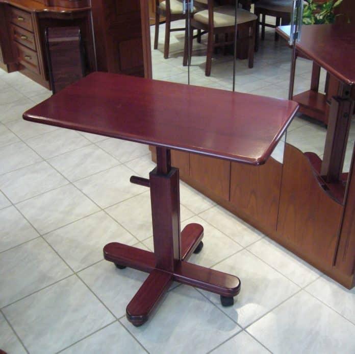 Állítható magasságú asztal