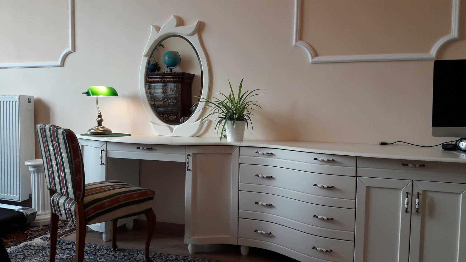 Pipereasztal fehér