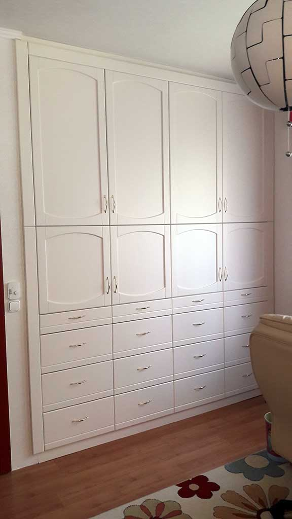 Hálószobai beépített szekrény