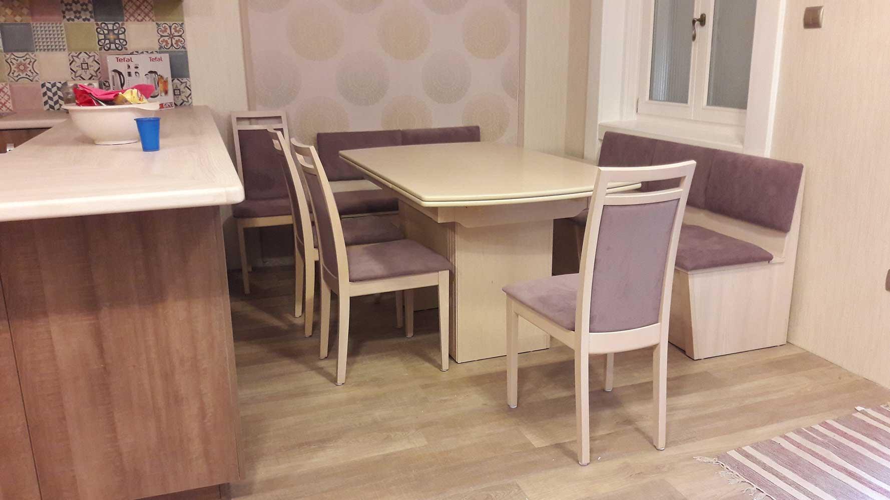 Étkezőpad kinyitható asztallal