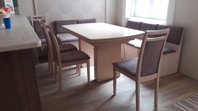 nagyobbítható étkezőasztal